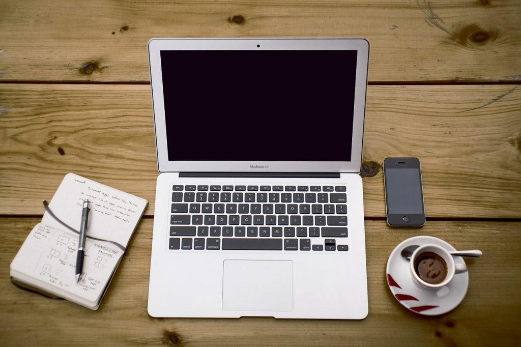 werken op laptop