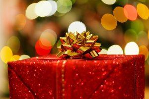 kerstactie - cadeautje geven