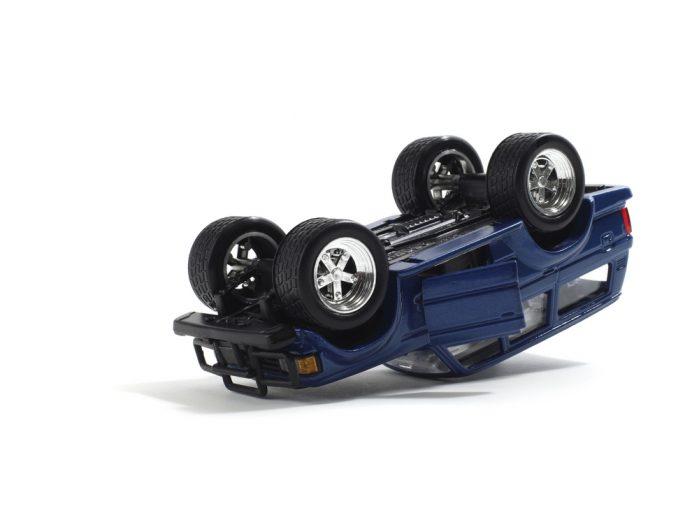 Omgevallen auto - kun je besparen op je autoverzekering